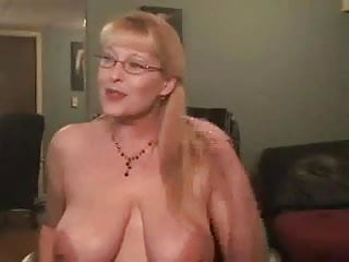 Top deepthroat givers - Hot milf deepthroating her dildo