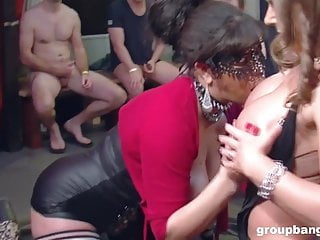 Extra muscle two holes vulva - Boys fire loads of cum in two holes