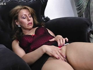 Dirty mom sex - Dirty housewife mom getting wet by her dildo