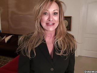 Mature lady in nylon American milf sally steel lets you enjoy her lady bits