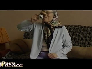 Senior sex porn videos Omapass senior with hairy pussy masturbating