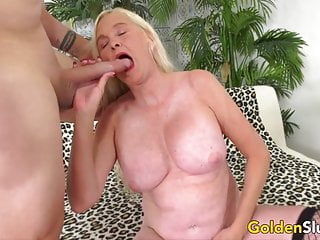 Grandma shows her tits - Horny blonde grandma sara skippers shows off her experience