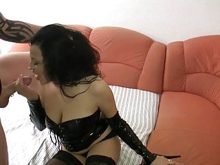 Saggy breast using butt fat German big breasted amature gets her 3 holes used