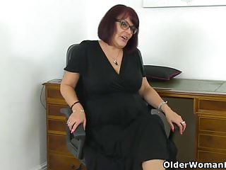 Mature x grannies - English milf christina x masturbates on her desk