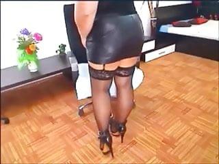 Flv asian leather skirt - Leather skirt model on webcam.mp4