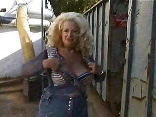 Shue elisabeth nude Naturgeile elisabeth 62 jahre alt aus neumuenster