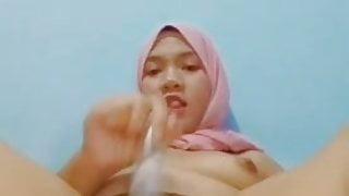 Jilbab Cantik masturbasi