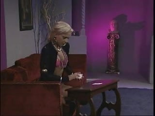 Xxx storyline - Buffy the vampire lauer storyline