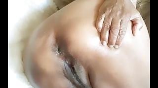Masterbating, fingering, orgasm mature bbw Latina woman