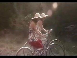 Felicity huffman bikini - Softcore felicity glory annen
