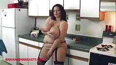 Huge tits wife gets her girls out for the boys