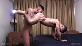 Monster cock latin stud deep breeds a tight hole