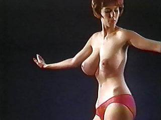 Naked granies over 60 - Shaking all over - vintage 60s big jiggly tits dance tease