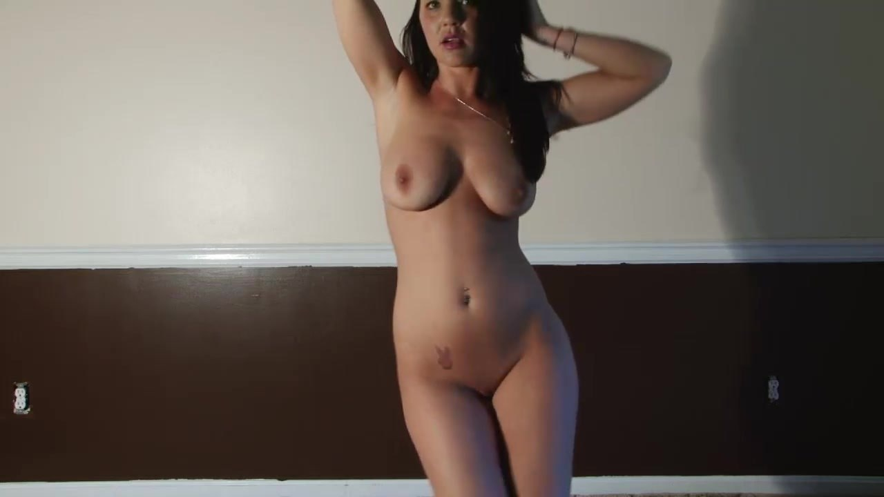 Teen Strip Latina Amateur