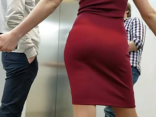 Sexy dress up free Sexy ass in a red dress