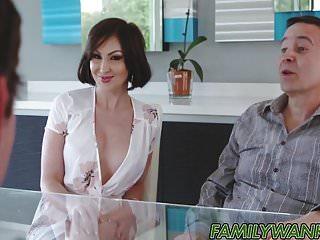 Cum so hard - Banging hot stepmom and cum so hard in her mouth