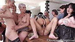 Очаровательных бабушек жестко отдолбили и обрызгали спермой на дикой оргии