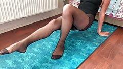 Black pantyhose yoga 4