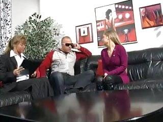 Dicke frauen sex Frauen die gern mal die klammotten ausziehen 3