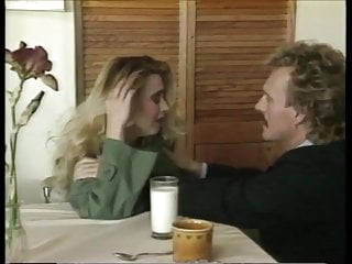Swinger behavior - Scene from the movie strange behavior 1991