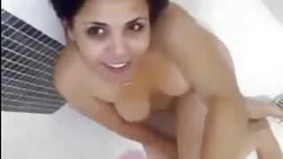INDIAN DESi AUNT CUM FACIAL