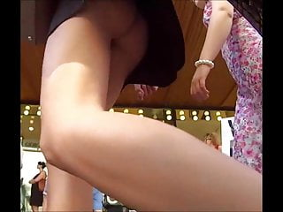 Hidden camera mall upskirt Delicious black dress ninet in the mall