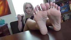 feet JOI BA