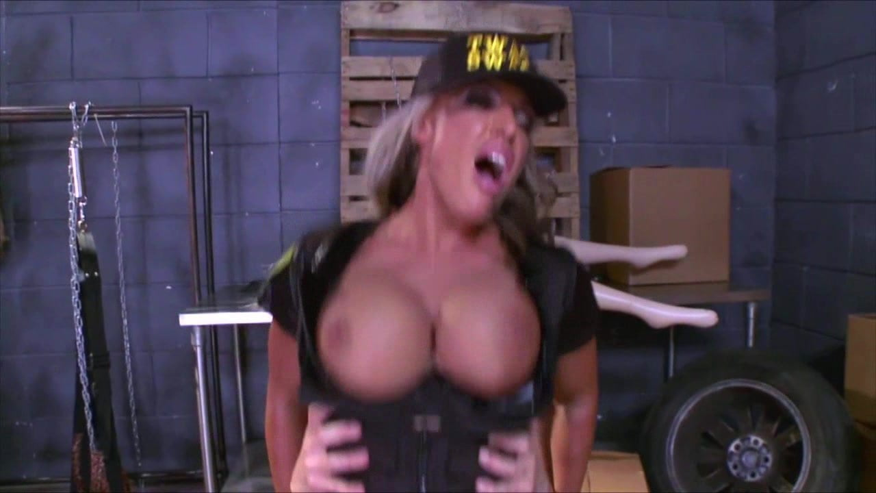 Dominant Busty Cop Veronica Avluv Is Into Rough