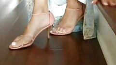 Splendid mature feet with sexy big bunions