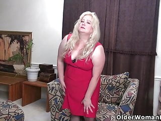 Steve o from jack ass - Bbw milf jacks from the usa loves dildoing her pussy