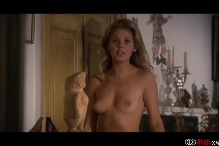 Bond  nackt Kate Kate Bond
