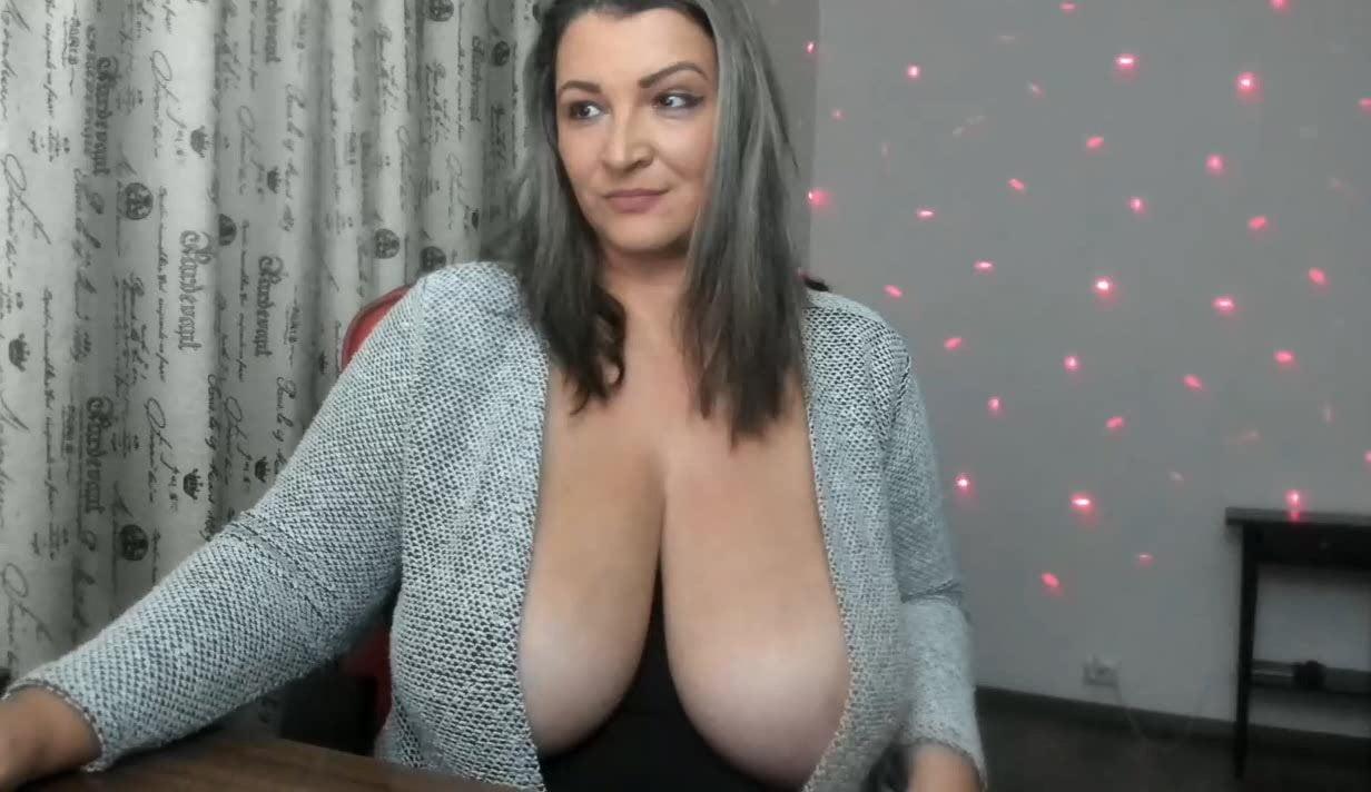 Hot Bounce Boobs