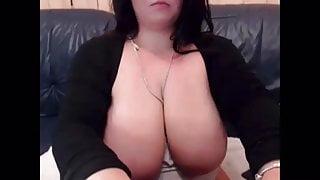 Big boob babe