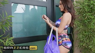 Hot And Mean - Gia Dimarco Katrina Jade - Shes Not What
