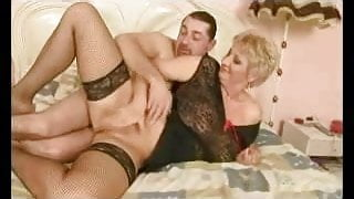 Big Titts Granny R20