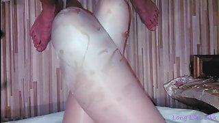 Cum on nude pantyhose