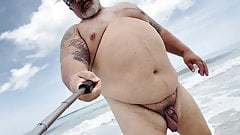 Coaches huge daddy balls need to air out in public