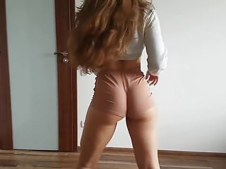 Milf videos arab Sexy twerking