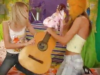 Guitar licks country cd or vhs 2 lesbians teens play guitar and sextoys