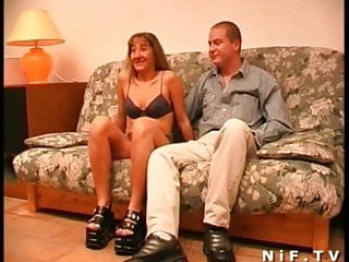 Instructions for doing anal sex - Amateur french swingers doing anal sex on the sofa