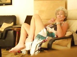 Tiny titis irish blowjob - Aine : going down on her irish man : enjoy