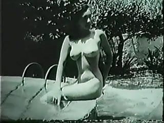 Vintage pin-up pictures Another unknown pin-up at the ice pool
