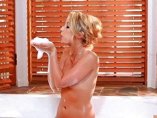Peachez sex Sarah peachez masturbation in the bedroom