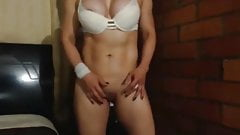 Sexy Colombian MILF Showing Her Muscular Body On Webcam