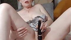 Sexy Dame masturbiert für uns