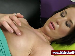 Close pussy spread video Puffy peach babe spreading with speculum