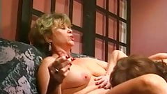 Nonna Corky, 2 scene