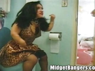 Bridget free midget Bridgets surprise bathroom fuck