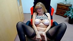 Red hot wife taking guys to the edge over and over