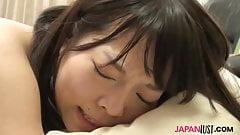 Тинка Aya Sakai сосет член перед сексом раком